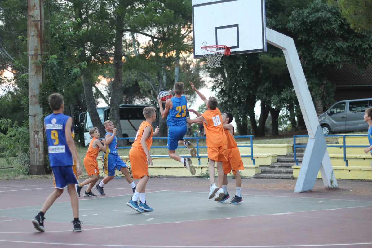 Ljetni-košarkaški-kamp-01